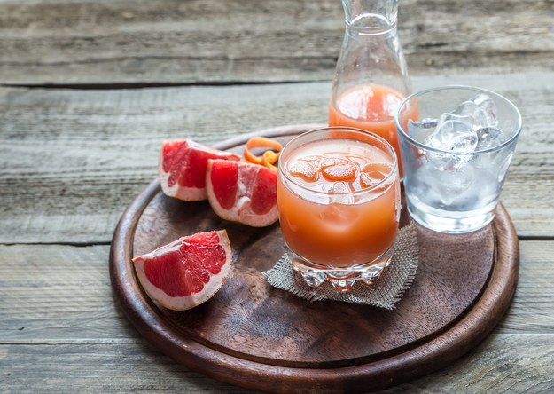 Pomarańczowo-grejpfrutowy napój /123/RF PICSEL