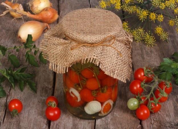 Pomidorki - po ten przysmak chętnie sięgniesz zimą /©123RF/PICSEL