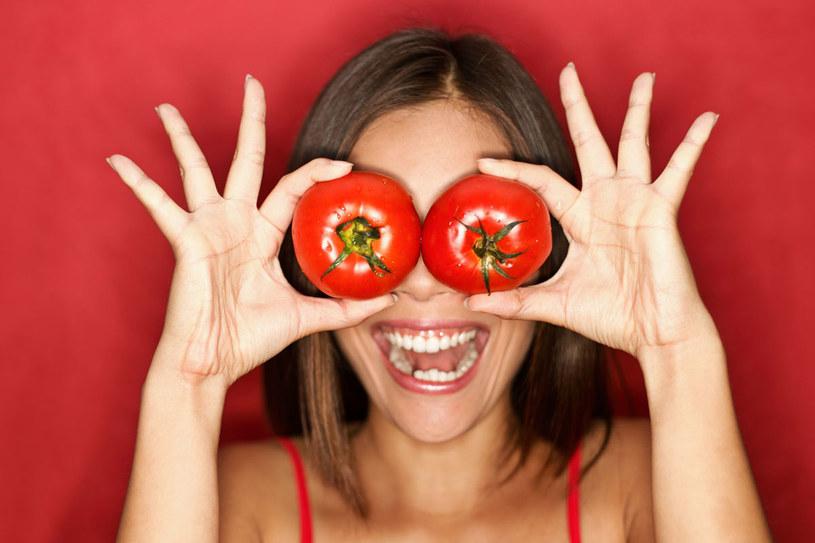 Pomidorowa maseczka pomoże cerze skłonnej do wyprysków /©123RF/PICSEL