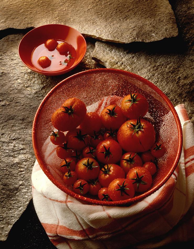 Pomidory są nieodłącznym składnikiem kuchni środziemnomorskiej /© Photogenica/Glow Images