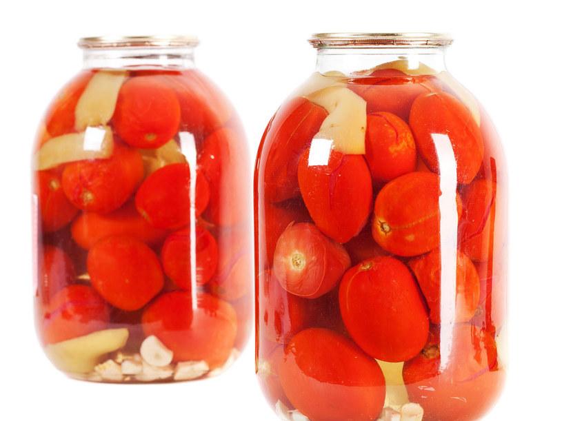 Pomidory z papryczką chili /- /©123RF/PICSEL