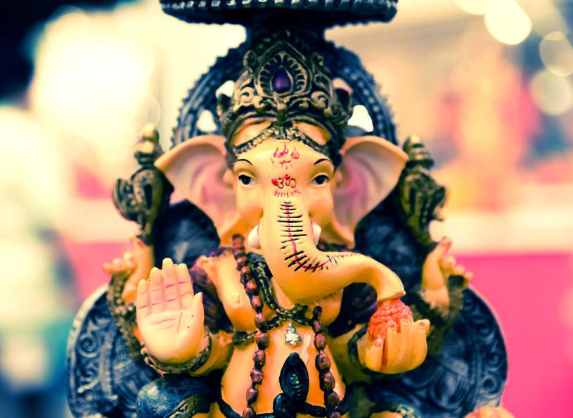 Pomiędzy 21 a 25 grudnia w Indiach obchodzona jest ceremonia Pancha Ganapati /123RF/PICSEL
