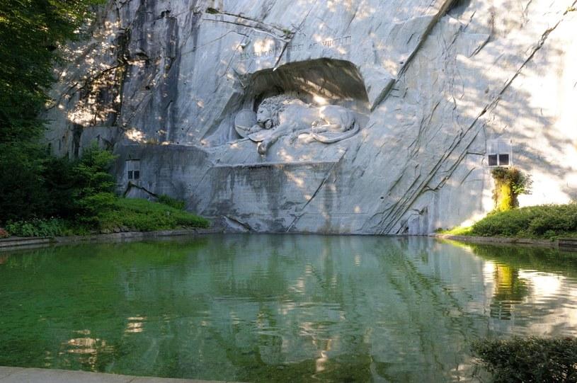 Pomnik lwa - symbolu Lucerny /123RF/PICSEL