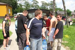 Pomoc dla ofiar powodzi organizują zwykli ludzie