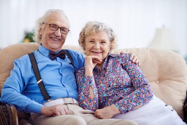 Pomocy starszym udziela kilka instytucji /123/RF PICSEL
