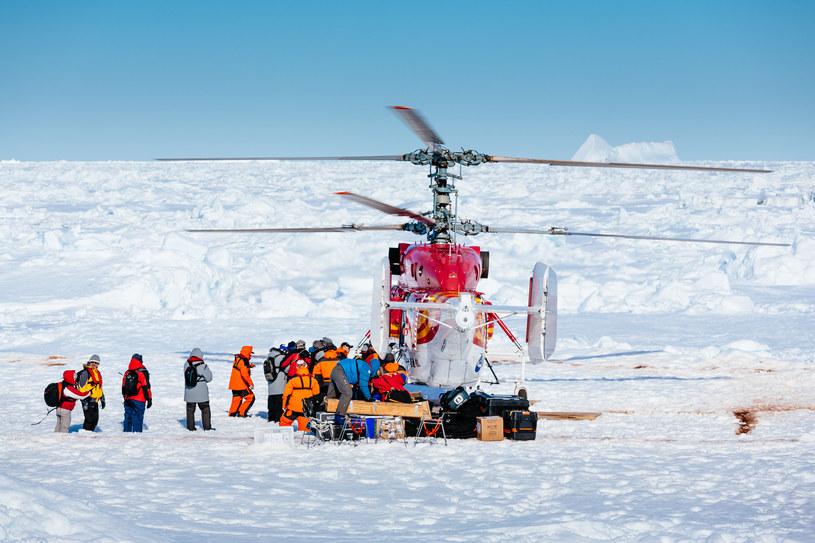 Pomyślna ewakuacja naukowców ze statku badawczego na Antarktydzie /AFP