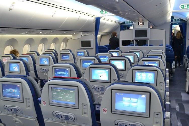 Ponad 200 Polaków utknęło w kanadyjskim Toronto po tym, jak Boeing 787 Dreamliner LOT-u został uszkodzony na pasie startowym lotniska Pearson przez inną maszynę (zdjęcie ilustracyjne) /Paweł Balinowski /Archiwum RMF FM