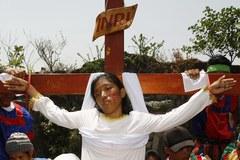 Ponad 30 osób ukrzyżowano na Filipinach