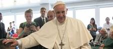 Ponad 60 świeckich i duchownych zarzuciło papieżowi Franciszkowi