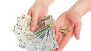 Ponad połowa Polaków oczekuje podwyżek, ale tylko co 10. firma podniesie wynagrodzenia