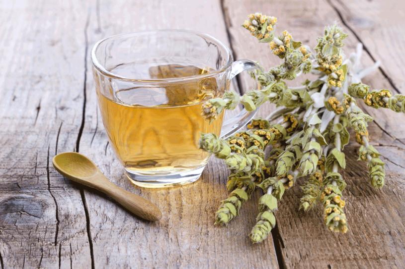 Popijaj herbatkę raz dziennie /123RF/PICSEL