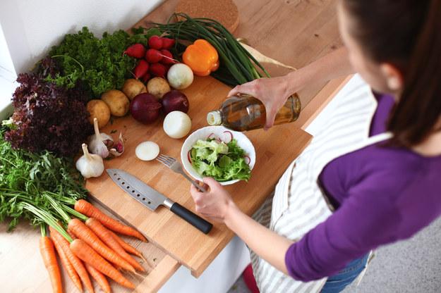 Popraw sobie humor pysznym i zdrowym jedzeniem! /123/RF PICSEL