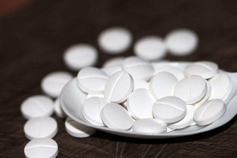 Popularny lek nie powinien być podawany dzieciom /123RF/PICSEL