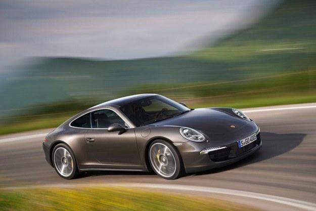 Porsche 911 carrera 4S /