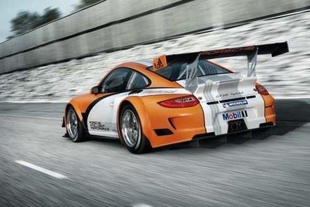 Porsche 911 GT3 R hybrid /