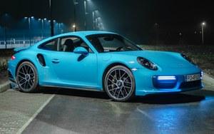 Porsche 911 Turbo S – luksusowy myśliwiec