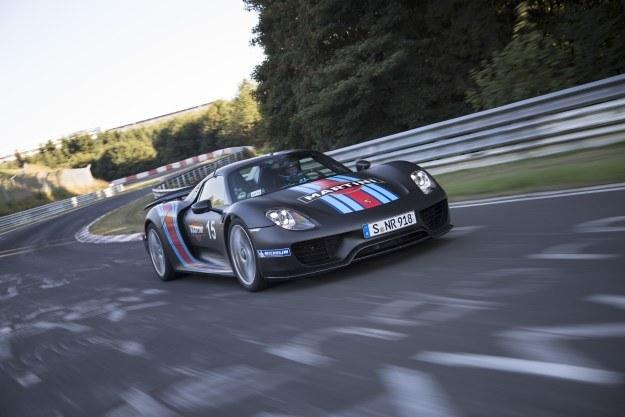 Porsche 918 na trasie /