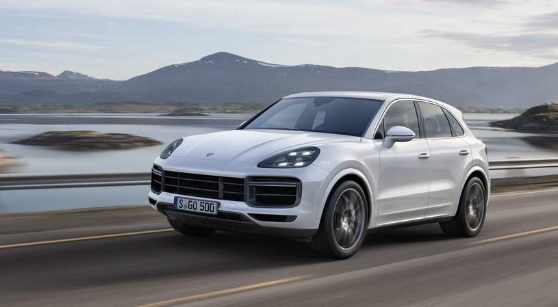 Porsche Cayenne Turbo /