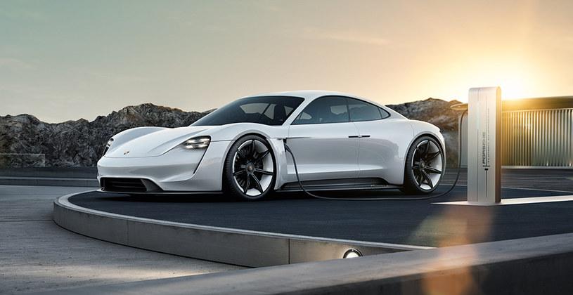 Porsche Mission E to flagowy elektryczny projekt /