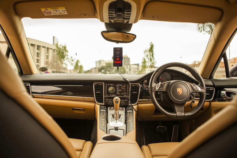 Porsche Panamera i Mate 10 Pro /materiały prasowe