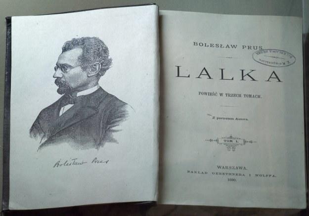 Portret i autograf B. Prusa z pierwszego wydania Lalki, repr. M. Skorupski /Agencja FORUM