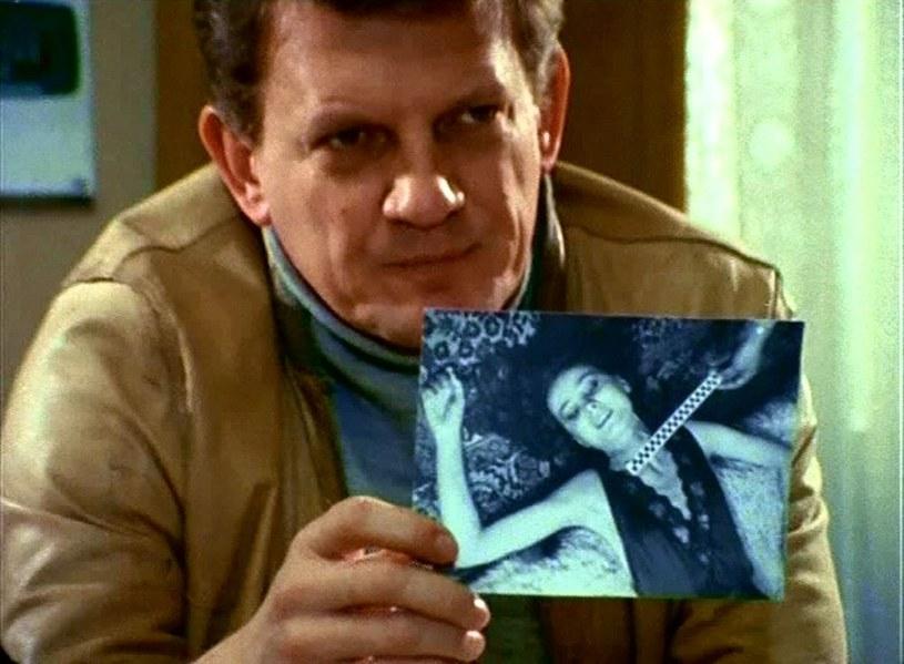 """Porucznik Borewicz (w tej roli Bronisław Cieślak) w serialu """"07 zgłoś się"""") /East News/POLFILM"""