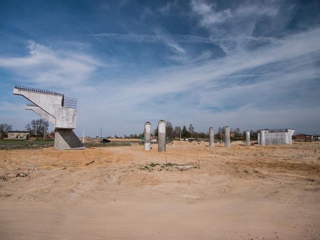Porzucony plac budowy na wysokości Łodzi / Fot: Mikołaj Zacharow /Reporter