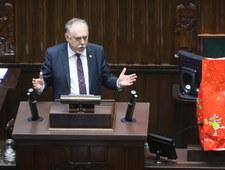 """Poseł Sanocki """"wraca do akcji"""" i rozdaje w Sejmie opłatki"""