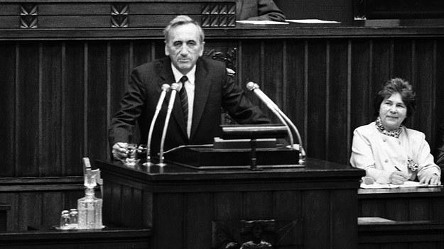 Posiedzenie Sejmu 12.09.1989. Premier Tadeusz Mazowiecki wygłaszania expose /Krzysztof Wójcik /Agencja FORUM