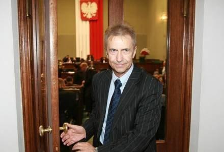 Posłowi Tadeuszowi Rossowi z  PO asystuje syn, fot. P. Bławicki /Agencja SE/East News