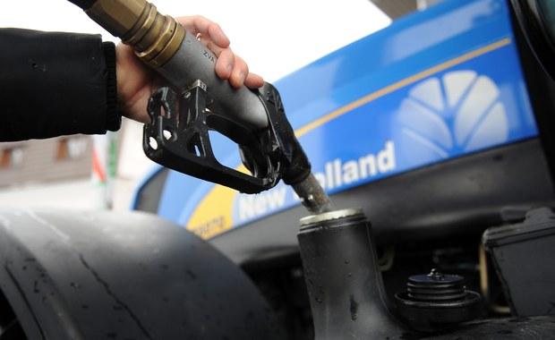 Posłowie będą obradowali nad nowym podatkiem paliwowym