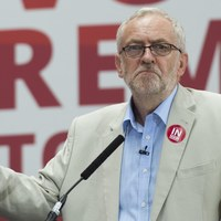 Posłowie Partii Pracy wyrazili wotum nieufności Jeremy'emu Corbynowi