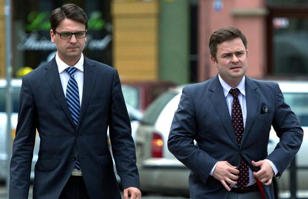 Posłowie PiS Mariusz Antoni Kamiński i Adam Hofman zostali zawieszeni fot. Maciej Kulczyński /PAP