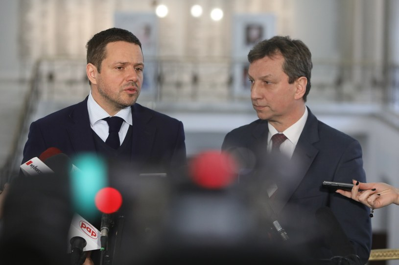 Posłowie PO Rafał Trzaskowski i Andrzej Halicki są rozważani jako kandydaci PO na prezydenta Warszawy /Stanisław Kowaczuk /East News