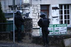 Poszukiwania zamachowców, którzy zabili 12 osob w Paryżu