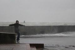 Potężny wiatr na angielskim wybrzeżu