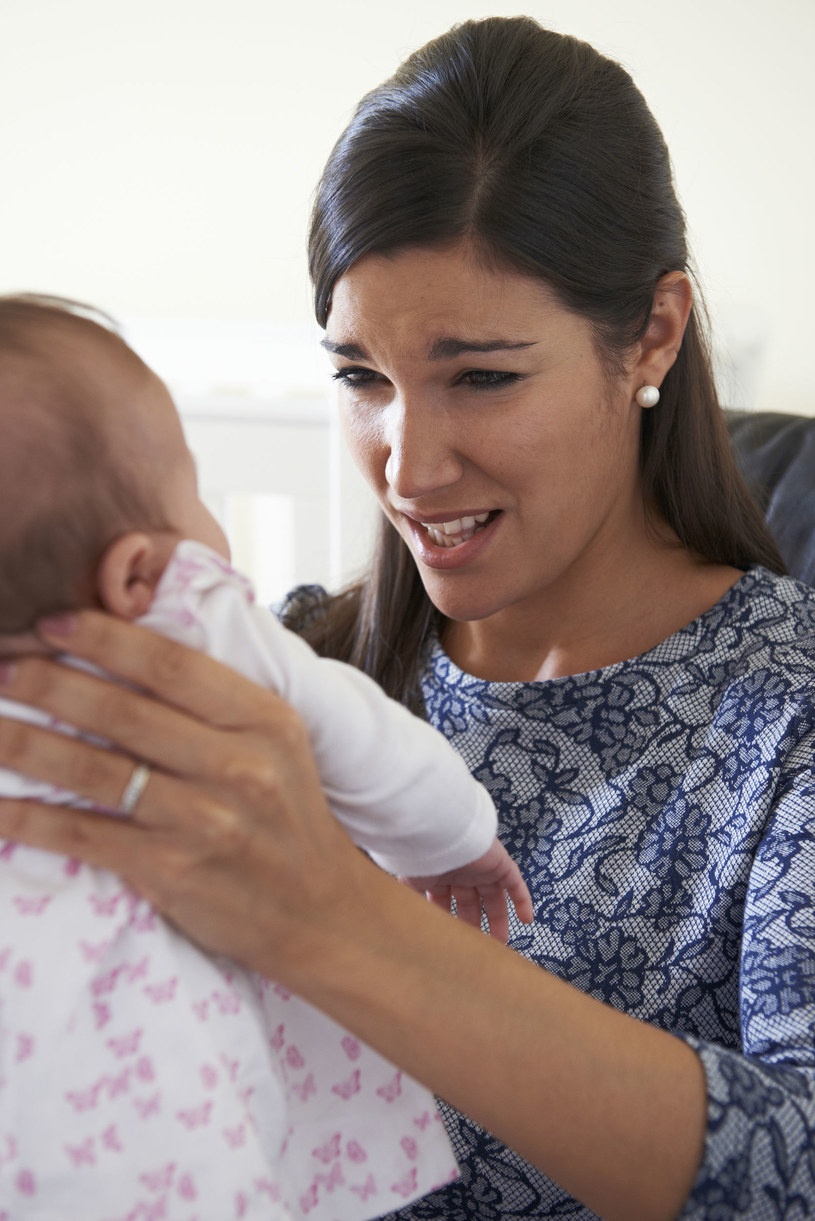 Potrząsanie dzieckiem to najgorsze, co można zrobić, chcąc je uspokoić /©123RF/PICSEL