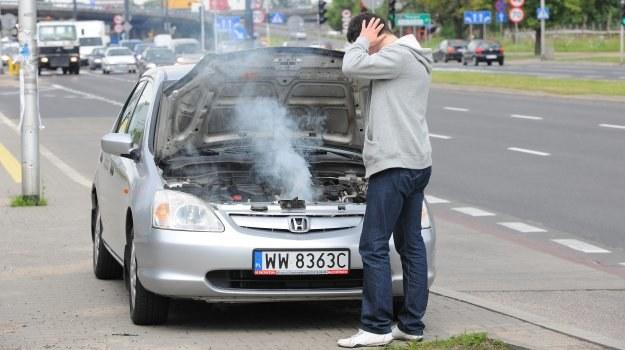 Poważny błąd podczas jazdy – nie zwracamy uwagi na wskaźnik temperatury cieczy chłodzącej. /Motor