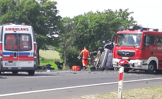 Poważny wypadek w Wielkopolsce. Jedna osoba nie żyje, trzy są ranne