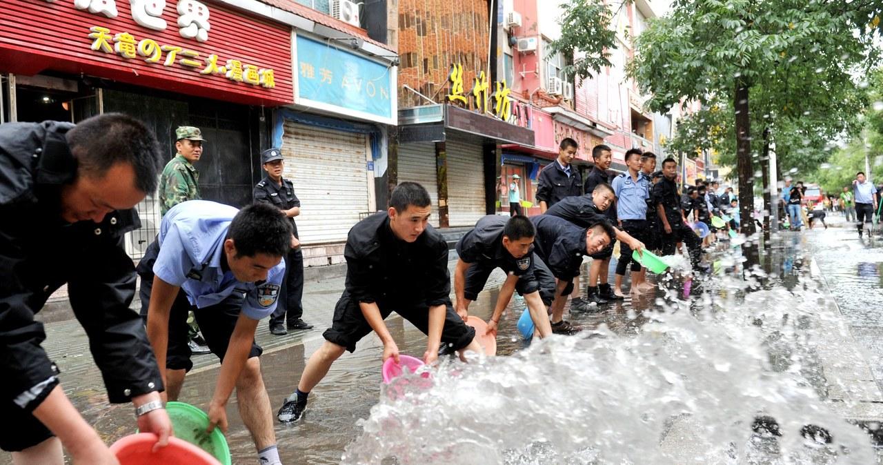 Powódz i lawiny błotne. Chiny liczą straty