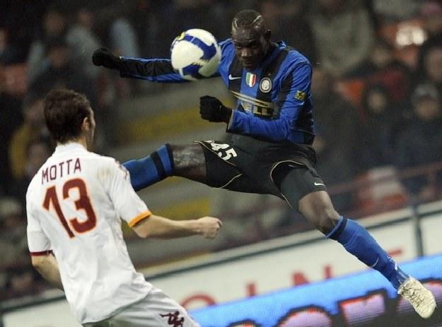 Powołanie Mario Ballotellego do włoskiej kadry rozpaliło emocje wśród fanów futbolu /AFP