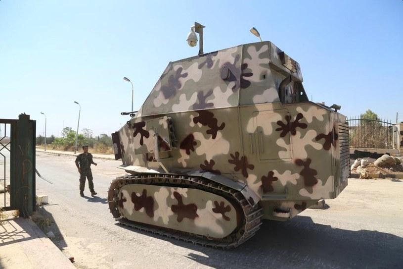 Powszechne Jednostki Ochrony opancerzyły wiele pojazdów budowlanych i ciężarówek /Getty Images/Flash Press Media