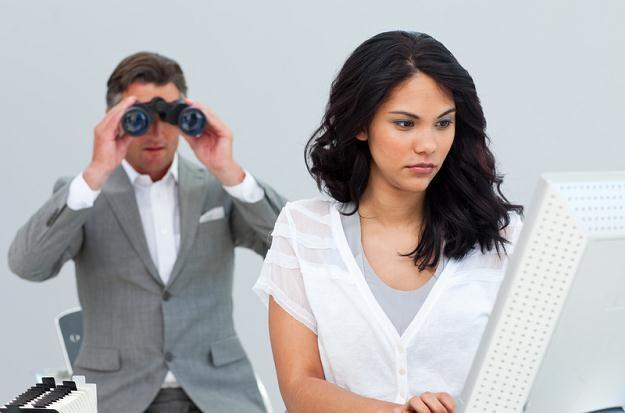 Powszechniejsze staje się zakładanie kamer z podglądem na stanowiska pracy /© Panthermedia