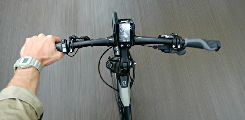 """Powyżej 25 km/h """"elektryka"""" już nie pomaga. Trzeba mocno pedałować /LG G5 /INTERIA.PL"""