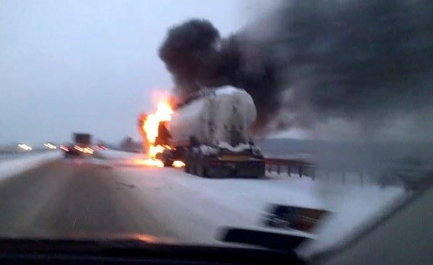 """Pożar ciężarówki na krajowej """"siódemce"""""""