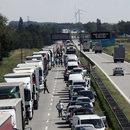 Pożar dostawczaka zablokował autostradę A4