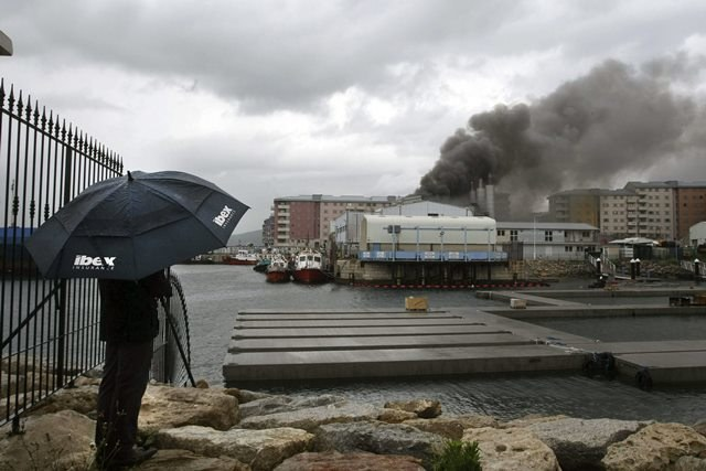 Pożar elektroni na Gibraltarze /A. CARRASCO RAGEL /PAP/EPA