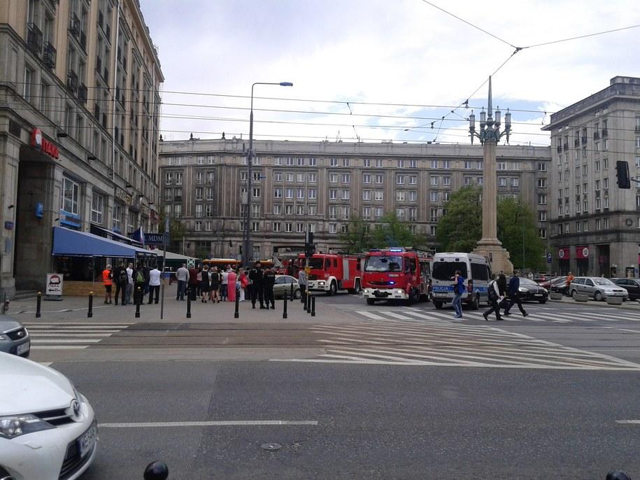 Pożar hotelu w Warszawie /Przemysław Mzyk /RMF MAXXX