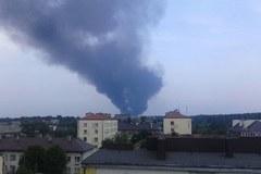 Pożar hurtowni zniczy w Zawierciu