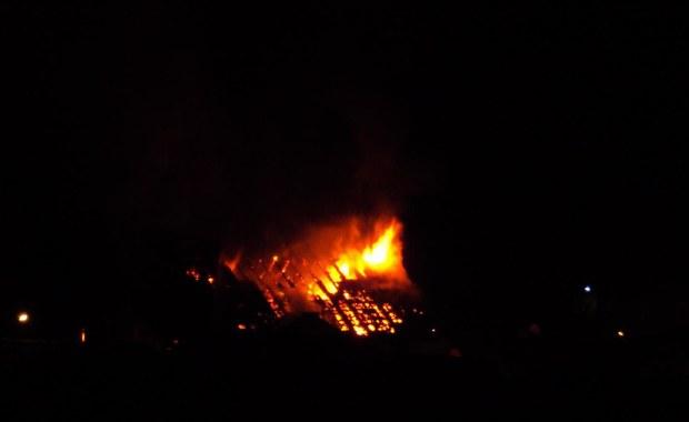 Pożar kamienicy w Lidzbarku, jedna osoba lekko ranna